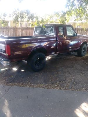 Ford .F-150 1993 V8 LONG bed for Sale in Los Angeles, CA