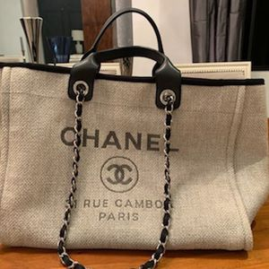 2018 Chanel Deauville large canvas tote. for Sale in Fort Lauderdale, FL