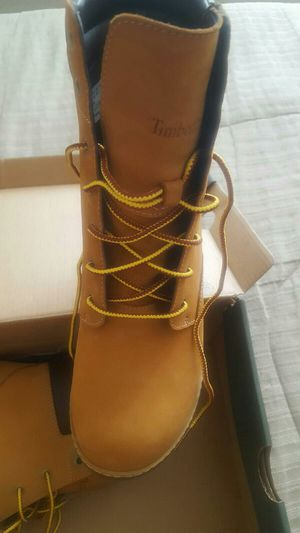 LADIES TIMBERLAND BOOTS for Sale in Gainesville, VA