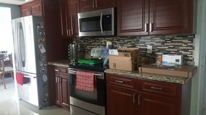 KITCHEN CABINETS WITH GRANITE COUNTERTOPS for Sale in Lehigh Acres, FL