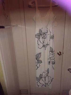 Ladies long dress for Sale in Fort Lauderdale, FL