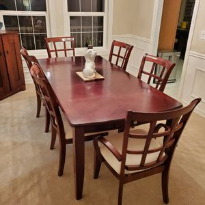 Solid Wood Dining Room Table w/6 Chairs for Sale in Gig Harbor, WA