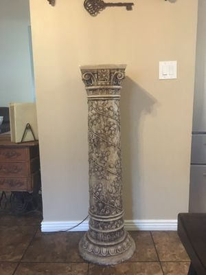 4 ft plant stand for Sale in Phoenix, AZ