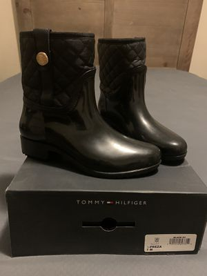 Tommy Hilfiger Freza Black Mid Calf Rain Boots (Size 7) for Sale in Bridgeport, CT