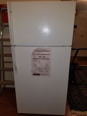 Kenmore Freezer Top Refrigerator for Sale in Columbia, SC