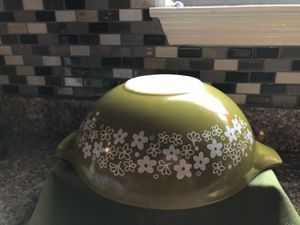 Pyrex Spring Blossom 4Qt Cinderella Bowl for Sale in San Antonio, TX