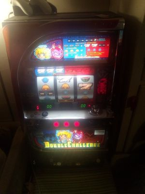 Double challenge Japanese style slot machine for Sale in Wenatchee, WA