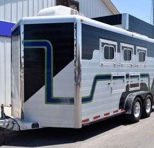 Price $1800 2007 MVP 3 Horse Aluminum Bumper Pull Horse Trailer for Sale in Chicago, IL