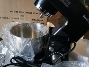 Geek chef 4in1 tilt head stand mixer 2.6 Quart for Sale in Bakersfield, CA