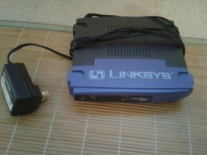 Cisco-Linksys BEFSR81 version 2 10/100mbps cable/DSL router with 8-port switch for Sale in Arlington, VA