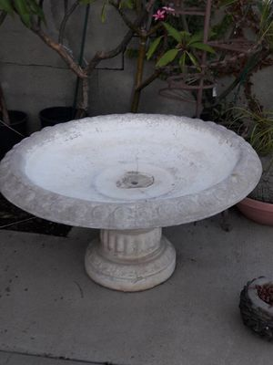One tier fountain stand for Sale in Whittier, CA