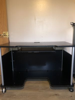 Office desk with pullout keyboard holder for Sale in Lombard, IL
