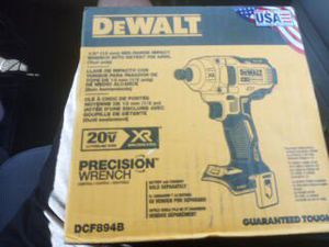 Dewalt 1/2 wrench impact, obsticle tool, and 20v max combo set for Sale in Lubbock, TX