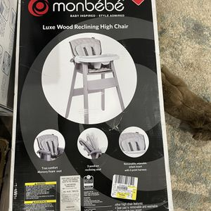 Monbebe Luxe Wood Reclining High Chair for Sale in Mundelein, IL