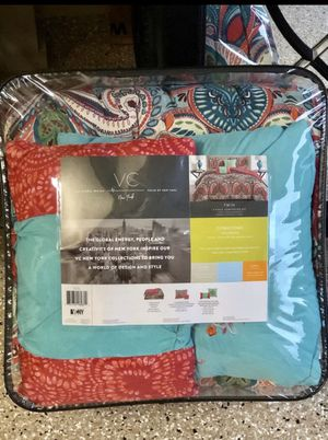 *NEW* Twin 4pc Comforter Set (Makes Great Gift!) for Sale in Mokena, IL