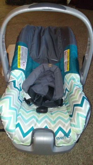 Infant car seat for Sale in Lima, OH