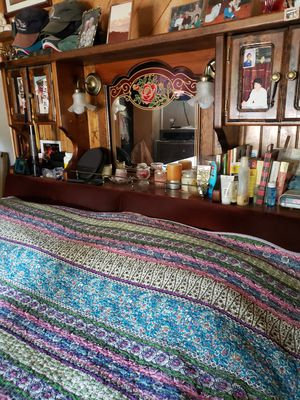 Pedestal Waterbed for Sale in Vancouver, WA
