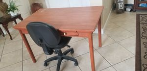Office table with chair for Sale in Parkland, FL