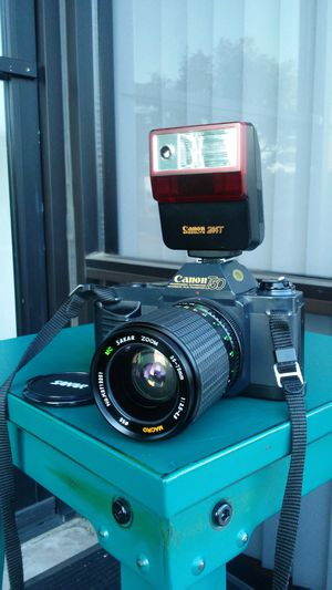 MINT Canon T-50 w/35-75mm Macro Zoom & Canon Flash- All Working Perfect!! for Sale in Chino, CA