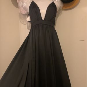Black Deep Cut Dress for Sale in Riverside, CA