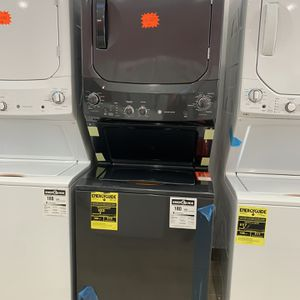"GE 27"" Gas Laundry Center Diamond Grey for Sale in Perth Amboy, NJ"