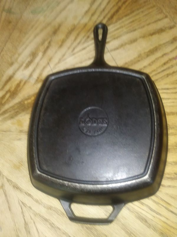 Lodge Square Cast Iron Skillet Frying Pan