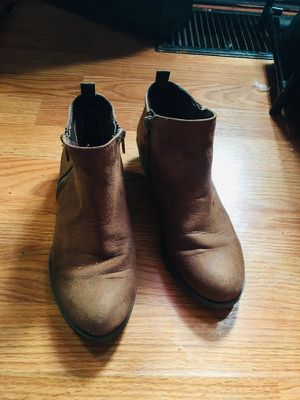 Brown boots for Sale in Peoria, IL