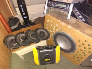 Duel CD player and 4 pioneer 6x6 round 160watt apiece speakers and a Clarion 10 inch sub woofer and a Bolt lighting 300watt amp. for Sale in Wenatchee, WA