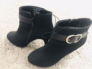 7.5 women skinny heel ankle boots for Sale in Fresno, CA