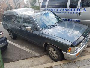 Se vende classica 92 toyota pickup truck drive exelent chassis fuerte for Sale in Arlington, VA