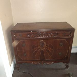 Vintage wood dresser for Sale in Buffalo, NY