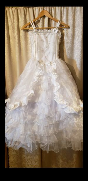 COMMUNION/FLOWER GIRL DRESS (size 10) WITH VEIL HEADBAND AND BOW(white) for Sale in Joliet, IL