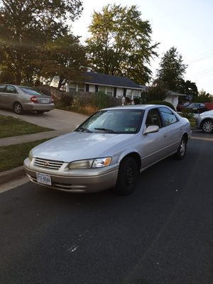 1997 toyota Camry 4 cylinders for Sale in Falls Church, VA