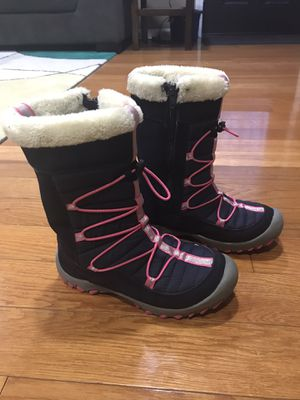 Sequoia girls snow boots for Sale in Mansfield, MA