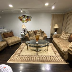 4 Piece Sofa Set With Area Rug. Available For Pick Between January 10- January 13 2021 for Sale in Lincolnwood, IL