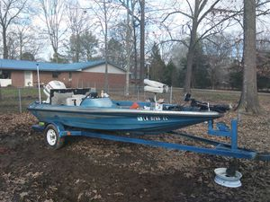 Glass stream Bass boat for Sale in West Point, MS
