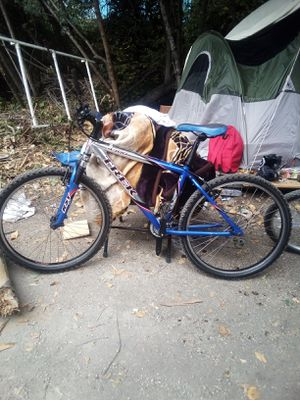 TREK 4300 MOUNTAIN BIKE $200 OBO for Sale in Oakland, CA