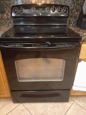 GE Stove and Dishwasher for Sale in Pinellas Park, FL