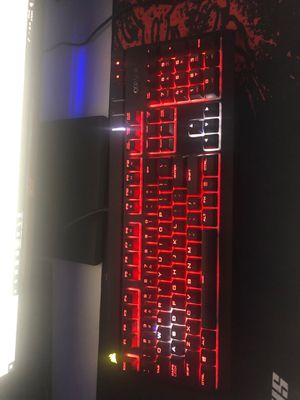 Corsair STRAFE RGB MECHANICAL GAMING KEGBOARD (silent) for Sale in Los Angeles, CA