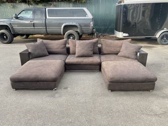 Camerich Modular Sectional Couch (Delivery Available) for Sale in Lynnwood,  WA