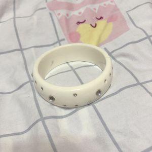 Cute bracelet $1/1 for Sale in Henderson, NV