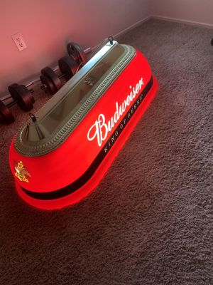Antique Budweiser pool table light for Sale in Fresno, CA