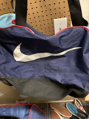 Duffle bag bundle for Sale in Douglasville, GA