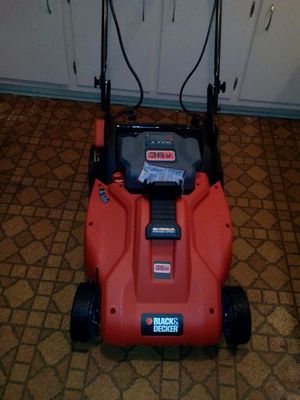 Black & Decker Battery Operated Lawn Mower. for Sale in Stone Mountain, GA