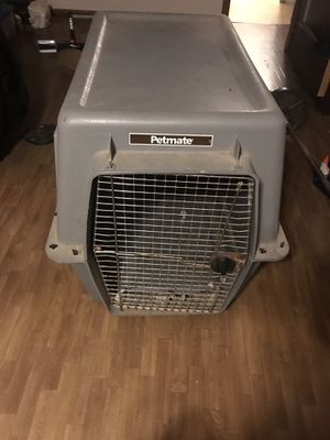 Large Petmate crate for Sale in Shelbyville, TN