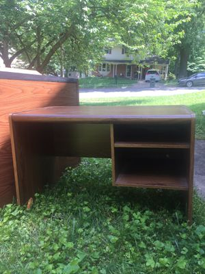 Free Furniture near GMU for Sale in Fairfax, VA