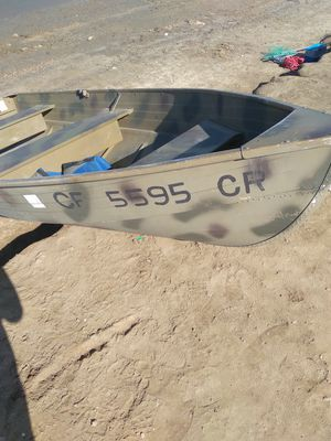 12 foot aluminum boat for Sale in Midway City, CA