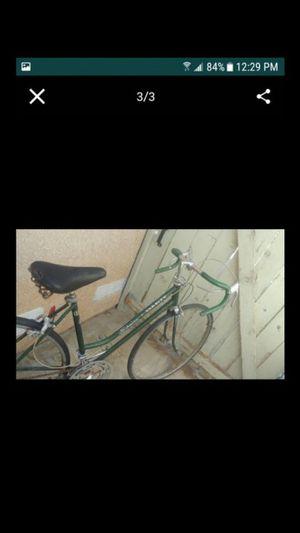 Vintage schwinn bike for Sale in Palmdale, CA