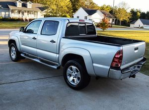 VeryNice 2005 Toyota Tacoma 4WDWheels Automatic for Sale in Peoria, IL