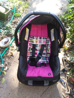 Baby carrier and car seat for Sale in Abilene, TX